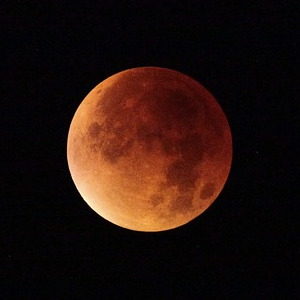 2018 05 eclipses blood moon 2428965 pixabay